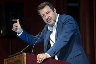 """Migranti, Salvini minaccia il governo: """"Se non blocca gli sbarchi è un problema sostenerlo"""""""