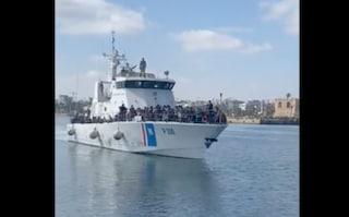 Migranti, ancora un respingimento illegale: 500 persone riportate in Libia e 20 annegati