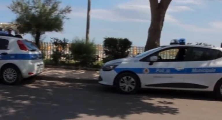 Palermo: multato perché in doppia fila, si vendica lanciando in mare le chiavi dell'auto dei vigili