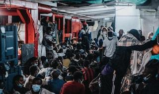 Ocean Viking, governo assegna porto sicuro: 572 migranti sbarcheranno ad Augusta