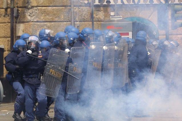 A 20 anni dal G8 di Genova: l'inferno di un'intera generazione