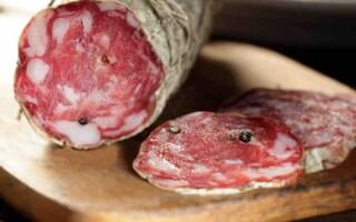 """Allerta alimentare per il salame, il Ministero della Salute: """"Non mangiatelo"""""""