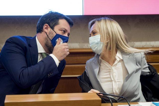 L'approccio di Meloni e Salvini ai vaccini è irresponsabile e non c'entra nulla col pensiero critico