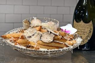 Queste sono le patatine fritte più care al mondo: costano 170 euro a porzione