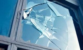 Ostuni: dimentica le chiavi di casa, rompe un vetro per rientrare ma si taglia e muore dissanguato