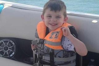 """La nonna: """"Mio nipote è sparito"""". Bimbo di 4 anni trovato morto nella scatola dei giocattoli"""