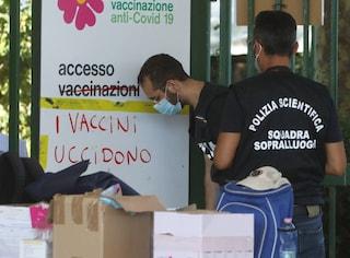 """""""Vaccini contro il Covid? Brodaglia"""". Ecco chi sono i primi no vax indagati"""