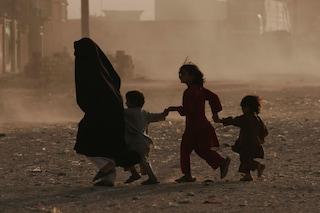 Afghanistan: evacuazioni lente, ancora disperazione all'aeroporto di Kabul