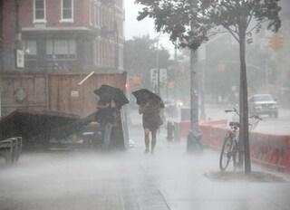 New York, l'uragano Henri devasta la città e interrompe un concerto