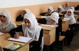 """I talebani vietano le classi miste: """"Sono la radice di tutti i mali della società"""""""
