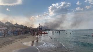 Incendio in Abruzzo, Pescara in fiamme: il fuoco minaccia le case, centinaia di evacuati