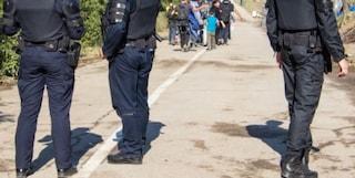 """""""Profughi afghani derubati e cacciati dalla polizia croata"""": la denuncia degli abusi alla frontiera"""