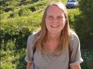Esce di casa con la bici e scompare nel nulla: a Pescara si cerca Angela Di Fulvio, ha 27 anni