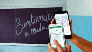 Scuola, a metà settembre arriva l'app per verificare il Green Pass di docenti e personale