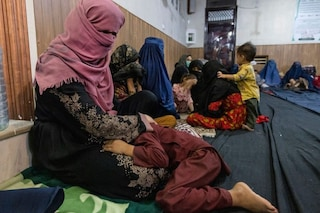Afghanistan, a Kabul le donne non possono tornare al lavoro: costrette a restare a casa
