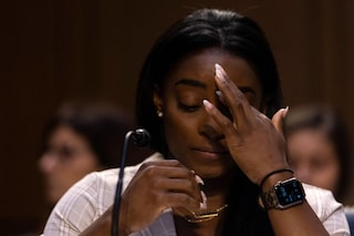 """""""L'FBI permise gli abusi sessuali sulle ginnaste USA""""; l'accusa della campionessa Simone Biles"""