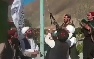 """Afghanistan, patto Usa-talebani per far partire chi ha documenti, la Resistenza: """"Non li legittimate"""""""