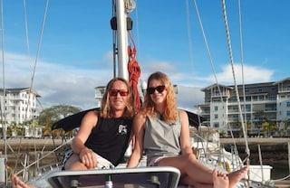 Bloccati a 14mila km da casa per la pandemia covid, coppia attraversa l'Oceano in barca a vela