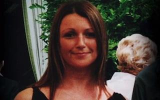 Scomparsa senza lasciare traccia mentre va al lavoro: 12 anni dopo riaperto il caso di Claudia Lawrence