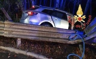 Auto contro guardrail, 34enne provoca incidente e uccide 31enne: undici anni fa travolse 8 ciclisti