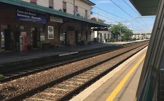 Dramma sui binari, 17enne investito e ucciso dal treno in corsa a Forte dei Marmi
