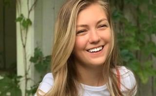 """Gabby Petito, l'autopsia conferma: """"La blogger è stata uccisa"""". Continua la caccia al fidanzato"""