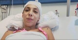 """Dopo l'incidente Arianna rischia la paralisi: """"Ma sono viva e cerco l'angelo che mi ha soccorsa"""""""