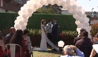 """I medici gli danno pochi giorni di vita, Sergio sposa la fidanzata del liceo: """"Sempre insieme"""""""