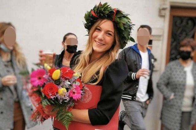 Chiara Ugolini, nella bocca della 27enne uccisa dal vicino uno straccio imbevuto di candeggina