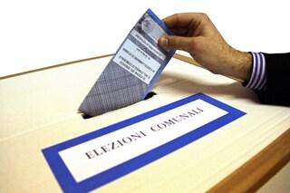 Elezioni comunali, seggi allestiti fuori dalle scuole per non interrompere lezioni: dove si voterà
