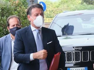 """Conte dice che l'unico successo di Salvini come ministro è stato """"tenere in mare dei migranti"""""""