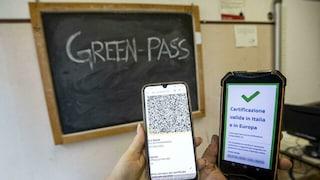 Riccione, alla prof scade il Green Pass durante la lezione: allontanata dalla scuola