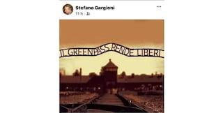 """""""Il green pass rende liberi"""", e una foto di Auschwitz: bufera sul preside di 4 scuole di Ferrara"""