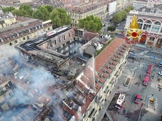 Incendio palazzo a Torino, indagato fabbro che installava cassaforte: fiammata ha distrutto tutto