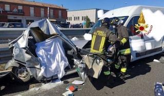 Drammatico scontro tra 7 auto sulla statale a Bastia Umbra: un morto e una ragazza ferita gravemente