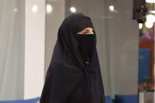 Jo Squillo col niqab al GF Vip, l'attivismo performativo che non serve a nessuno
