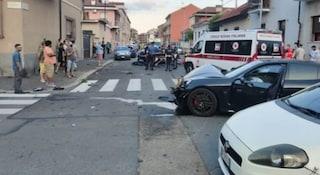 Torino, guida la Porsche in infradito, perde il controllo e investe due carabinieri