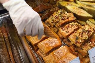 Data di scadenza errata, ritirati dai supermercati tranci di salmone