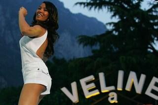 Da dove nasce la parola Velina, il significato originale è diverso dall'uso di Striscia la Notizia