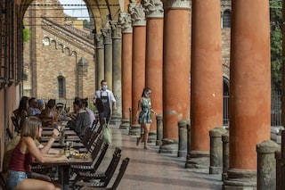 Elezioni comunali a Bologna, il centrodestra punta sul civismo di Battistini per raggiungere Lepore