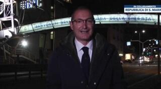 Non ha il Green pass, direttore di Fano Tv conduce il tg al confine di San Marino