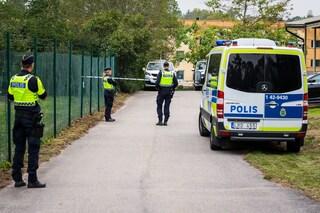Svezia, uomo armato di ascia e piede di porco ferisce una donna e due bambini