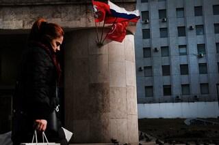 In Russia sale l'allerta Covid, nuove restrizioni in arrivo: ristoranti chiusi e smart working