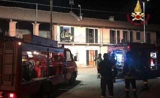 Cuneo, fuga di gas ed esplosione all'alba distruggono l'abitazione: due persone ferite, una grave