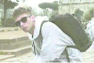 Feltre, Andrea esce con gli amici poi non risponde più al telefono: trovato morto in bagno a 24 anni