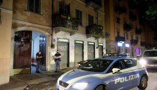 Torino, condominio si rivolta contro la polizia: aggrediti agenti dopo fermo pusher