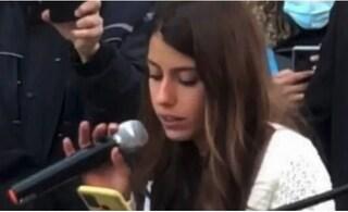 Studentessa no Green pass di Bologna torna in aula: lezione di nuovo sospesa, arrivano i Carabinieri