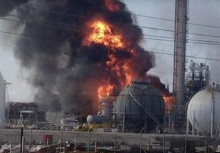 Brucia una fabbrica di polvere da sparo in Russia: sette morti e decine di dispersi