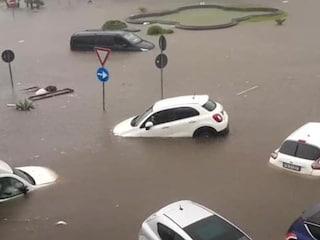Maltempo Catania, muore annegato un uomo a Gravina: centro storico allagato dopo il nubifragio