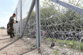 Dodici Paesi dell'Unione europea vogliono costruire delle barriere ai confini per fermare i migranti